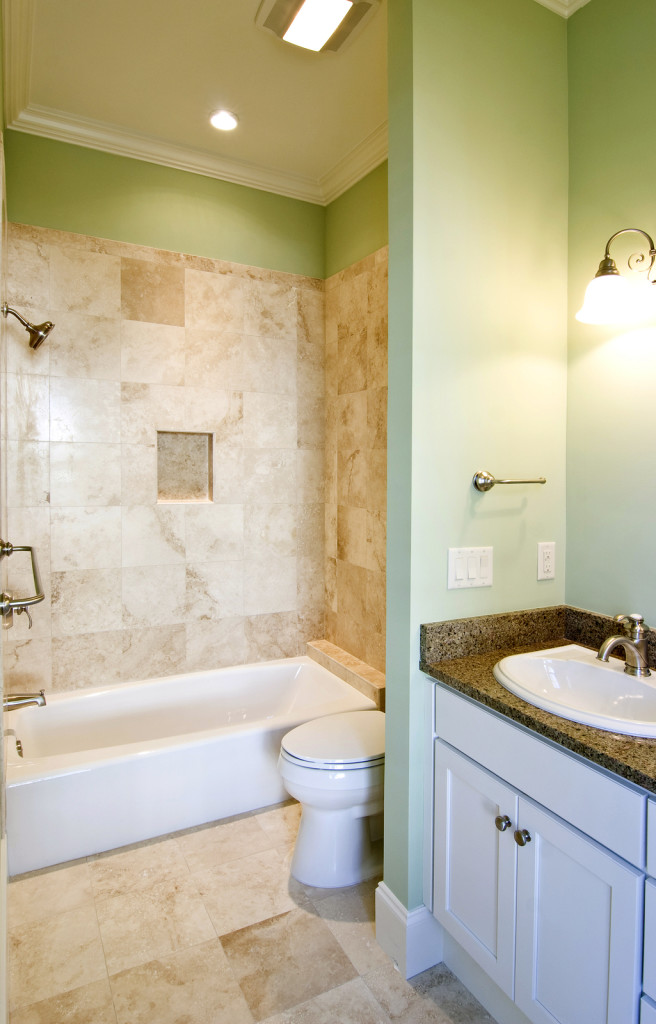 Tub liners madison wi for Small bathroom remodel photo gallery