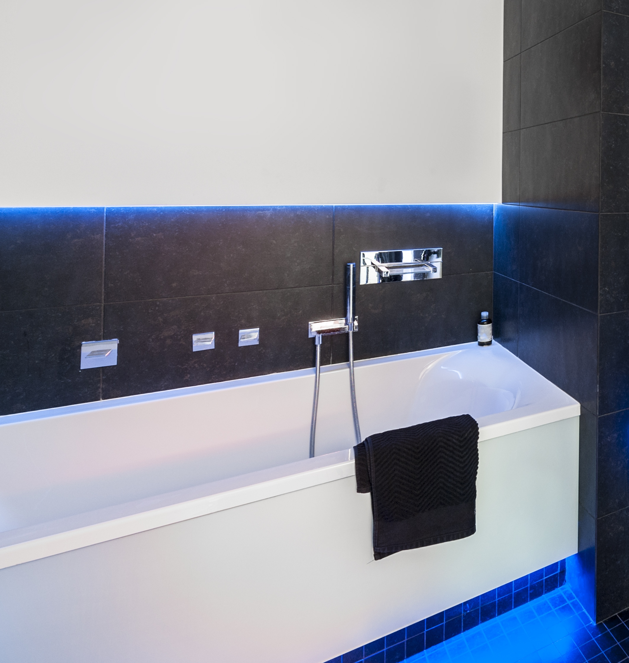 Replacement bathtub affordable bath remodeling in for Cost of acrylic tub liners